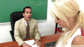 Tessa taylor torna difícil para um professor