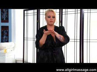 Presley massagens cheerleaders torcido vagina