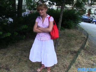 Publicagent albetzas apertado rapariga