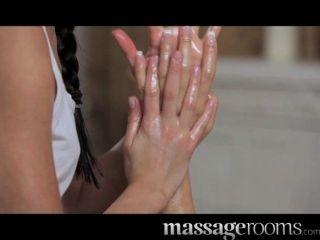 Salas de massagem petite teen lesbianas