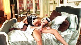 A mola do britney é uma empregada doméstica de sugação quente