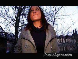 Publicagent morena é pago por sexo
