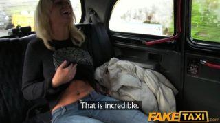 O pintainho louro do faketaxi suga o pau dos motoristas de táxi