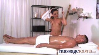 Salas de massagem massagista quente leva dick grande