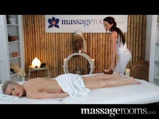 Massagens massagem lésbicas impressionantes