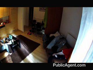 Publicagent vídeo caseiro em um quarto de hotel