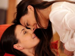 Filmes nubile sexy lesbian lovers in lust
