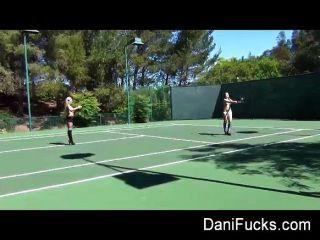 Dani daniels lésbica tênis bts