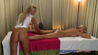 Salas de massagem meninas com pés perfeitos