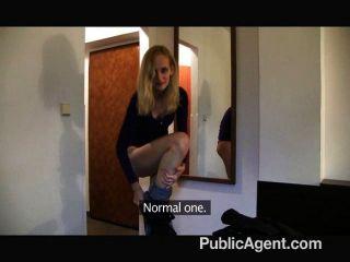 Publicagent skinny blonde fodido em um hotel
