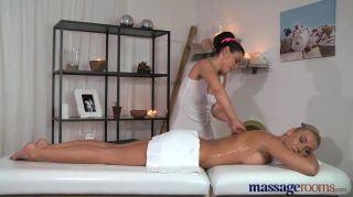 Salas de massagem blonde deslumbrante tem orgasmos