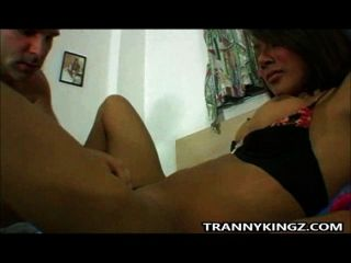 Asian tranny slut hard galo fodido ass