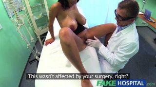Médicos fakehospital virar para obter suas mãos