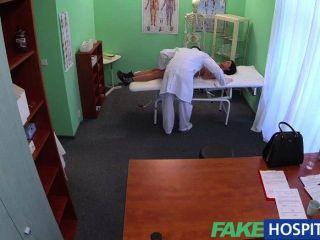 Fakehospital paciente estrangeiro sem saúde