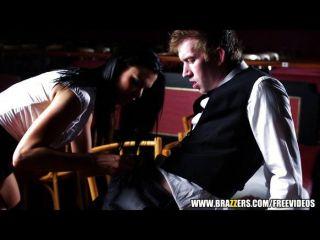 Sexo garçonete jasmine jae é ensinado a esguicho