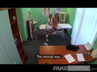 Fakehospital médicos galo e enfermeiras língua