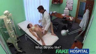 Médico do fakehospital trabalha suas habilidades