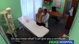 Fakehospital médico afunda seu pau em loiro