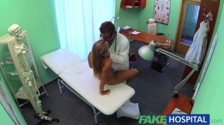 O médico do fakehospital termina o que a enfermeira
