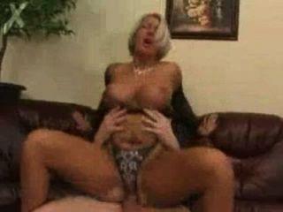 Mamãe fodida por filho