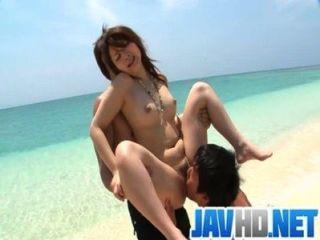 Mayuka fuck ao ar livre com uma surpresa asiática creampie