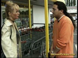 Senhora alemã é pego na loja