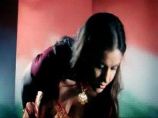 Super quente clivagem exposição b classe atriz amrita dhanoa indian