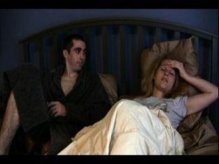 Irmã catherine e irmão anthony estão compartilhando uma cama