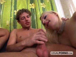 Enorme galo fode duas meninas sexy gb 20 03