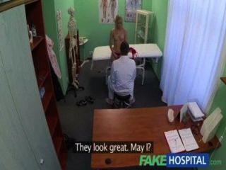 Fakehospital super sexy curvilínea loira aceita suja médicos oferecem