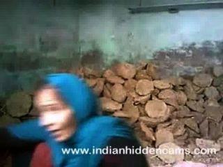 Sexo indiano casal fodendo no canteiro de obras em mumbai