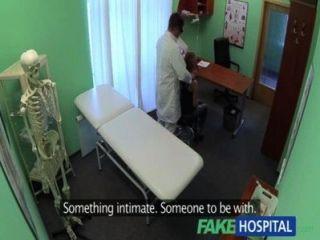 Fakehospital médicos galo drinques sexy estudantes depressão durante a consulta