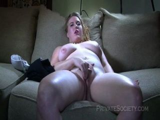Bela loira tenta pornografia