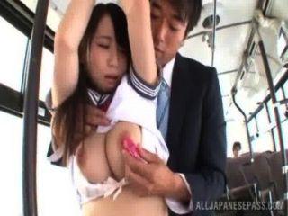 Asiático, menina, escola, uniforme, obtêm, pregado, ônibus