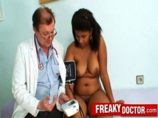 Latino plumper cubano manuella gyno exame clínica