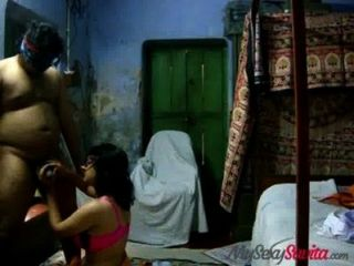 Indiano amador savita bhabhi dando hot blowjob