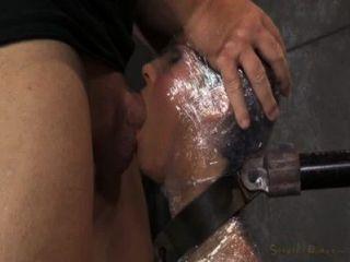 Milf blowjob em filme plástico