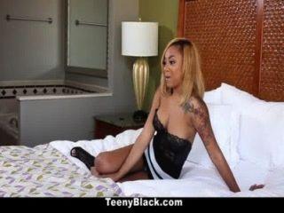 Teenyblack ebony creampie surpresa para diamante monrow