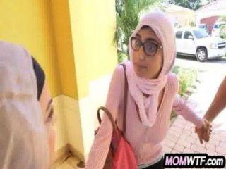 Arab mãe e filha compartilham galo julianna vega, mia khalifa 20 81
