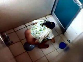 6 meninas pissing em mumbai college banheiro
