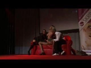 Groupsex extremo em show show público