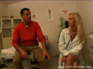 Loura dutch doutor fode seu paciente