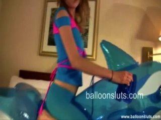 Horny teen humps brinquedo inflável baleia
