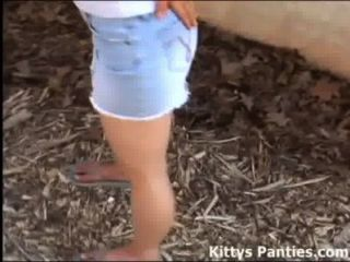 Kityo 18yo quer que você conhecê-la pelo spigot água