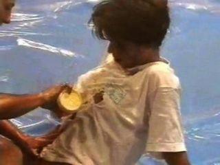 Dww nudez óleo wrestling gabriella vs wanda