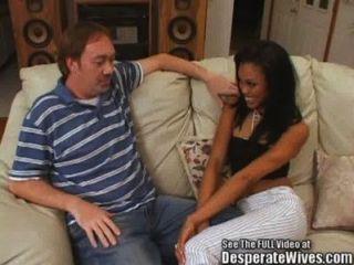A esposa asiática preta mistura a andorinha do hottie!