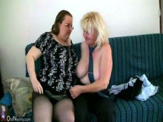 Oldnanny madura com mamas grandes se masturbar com avó gordinha juntos