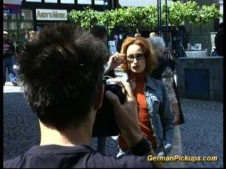 Fodida anal do sexo feminino magro alemão
