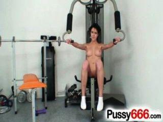 Linda babe ashley stillar pussy alargamento em close ups