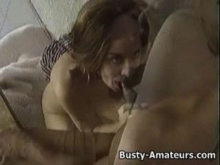 Sarah busty obtendo railed de seu para trás